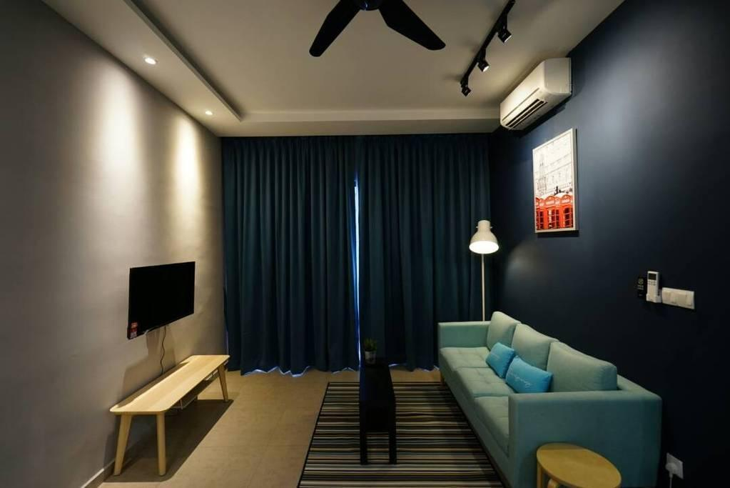 Comfy And Modern Home Near Mid Valley