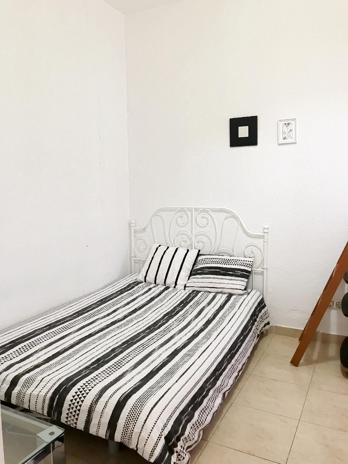 Lovely Double Room In GranViaandSol City Center NO.5