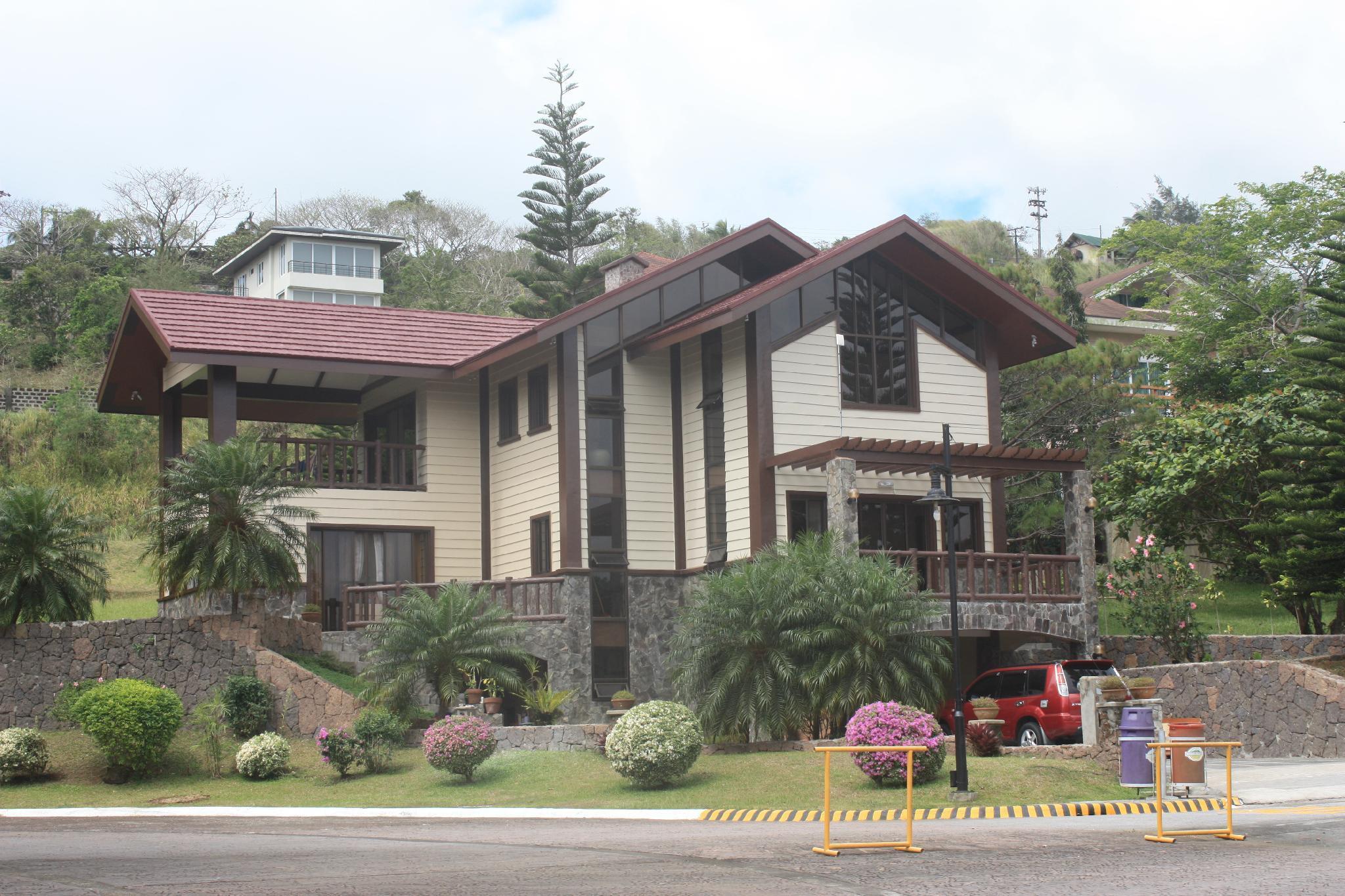 Tagaytay canyon woods house