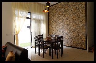 Bukit Indah Holiday Family Home