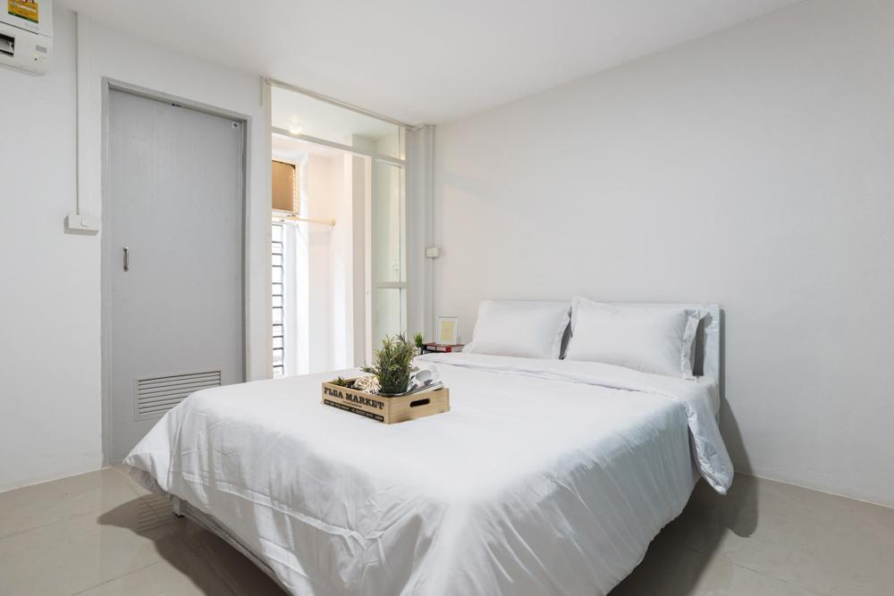 Sathorn Apartment [Studio] @BTS Surasak 900 meter Reviews