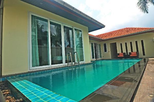 Wispering PLams Villa in Pattaya Nakhonratchasima