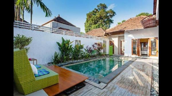 Villa Tropicana 5min from the Airport & the beach. Bali