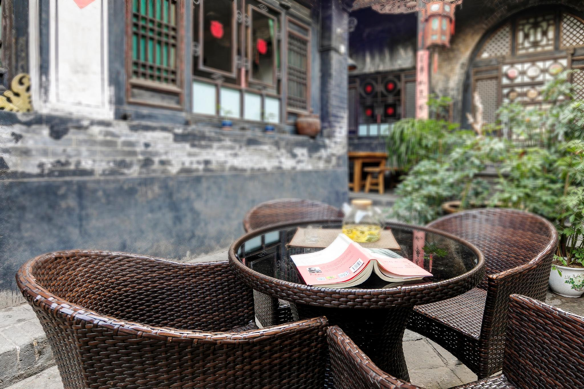 Pingyao Ancient City 300years Courtyard. 6bedroom.