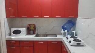 picture 5 of Modern Luxury Studio Mirror upgrade