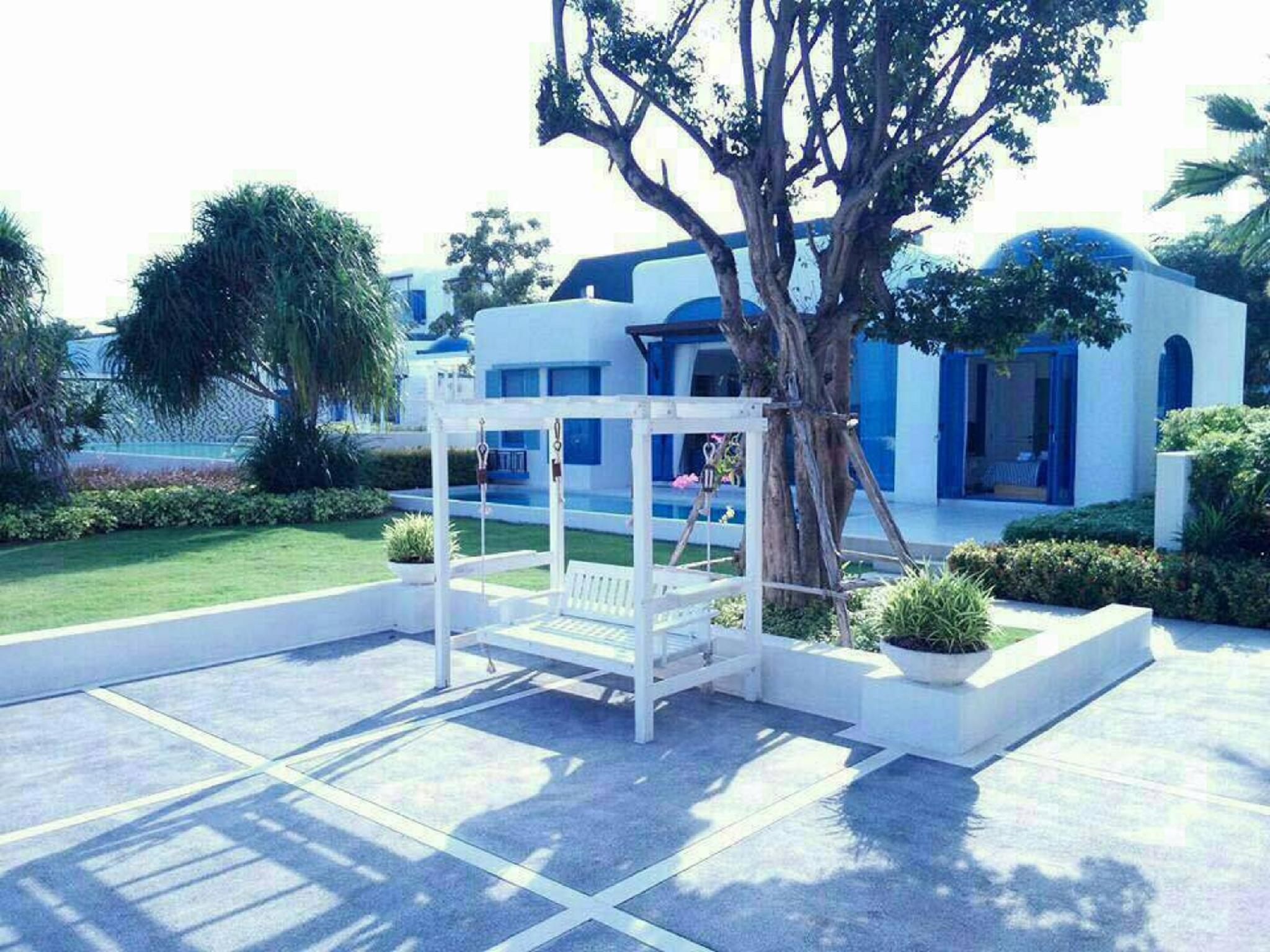 Beachfront Villa A@Crest Huahin 2 Bedrooms