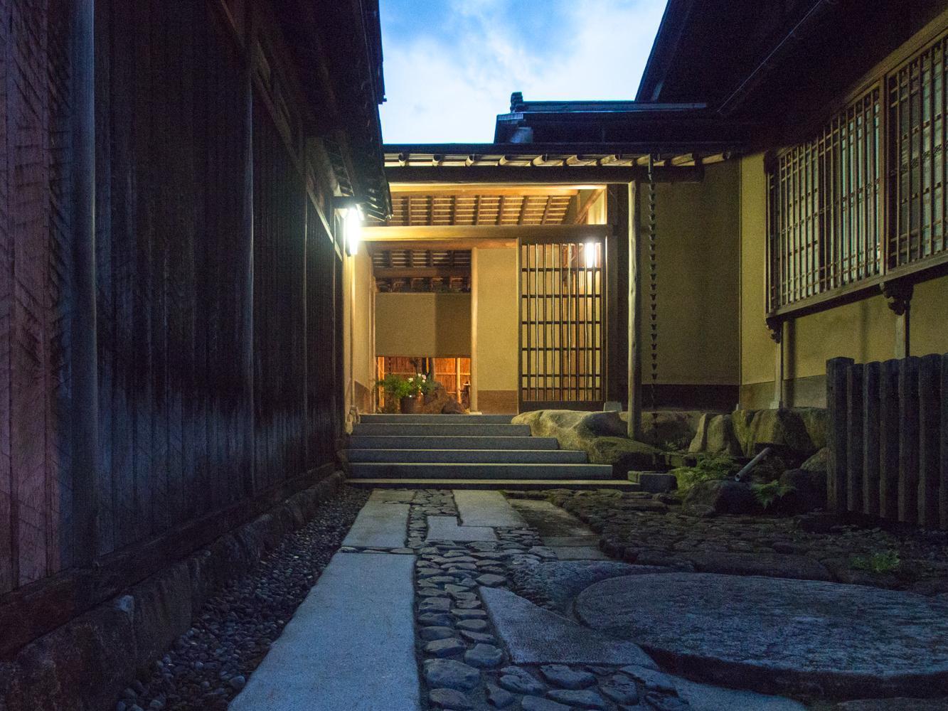 SUKIYA Zukuri Suehiro
