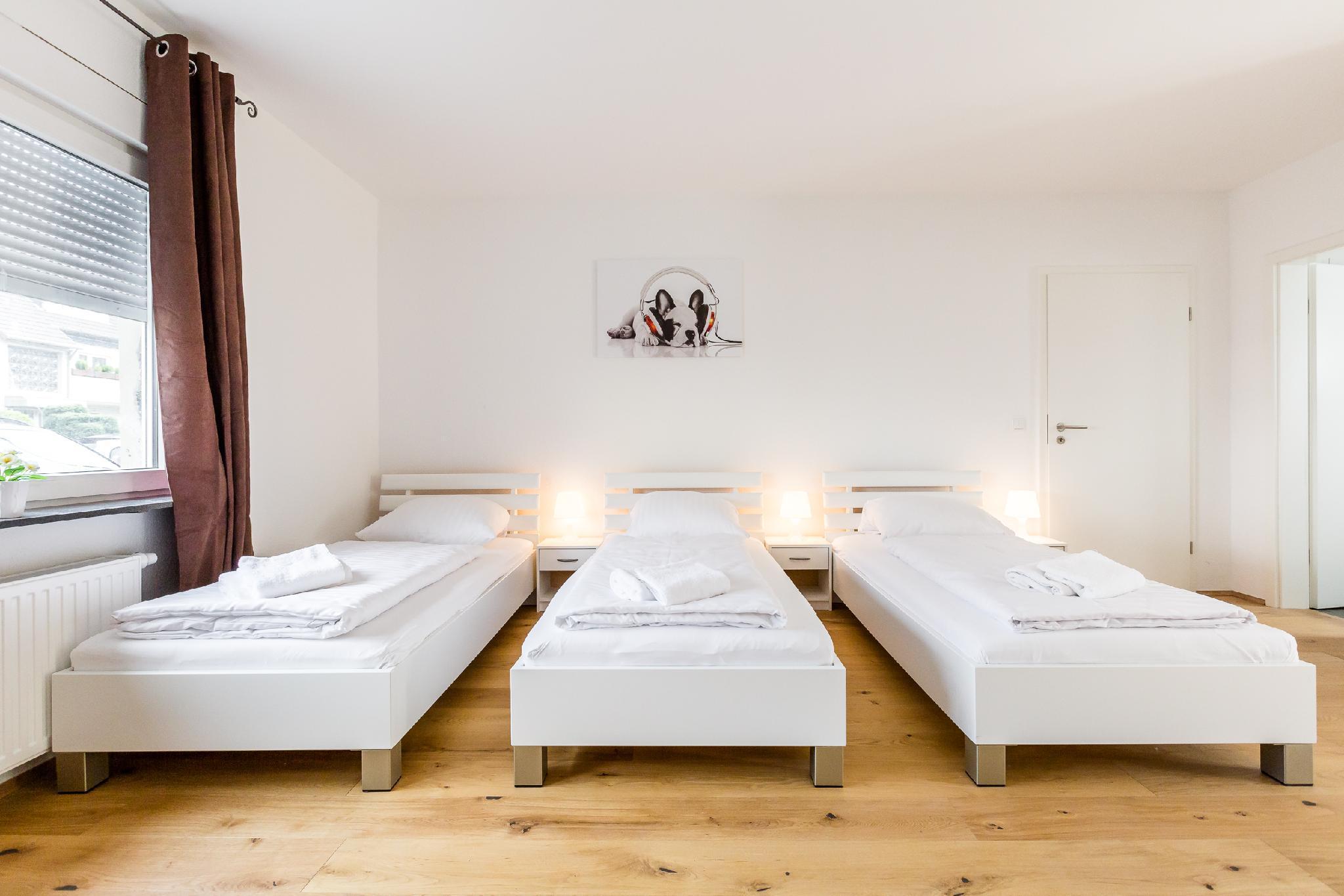B09 Apartment Bergisch Gladbach With Terrace