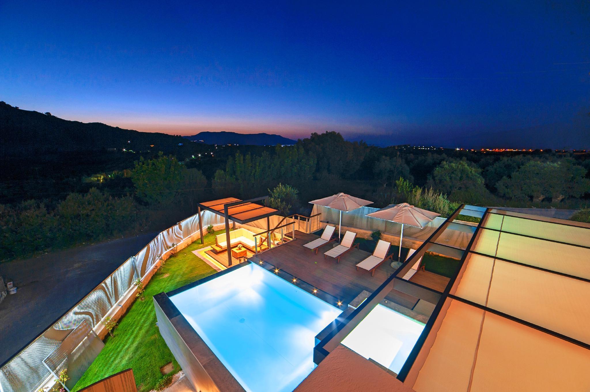Perla Villas With 2 Heated Pool
