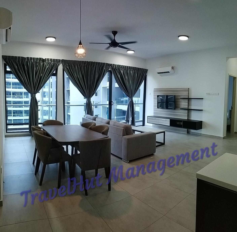 Atlantis 3 Bedrooms Suite By TravelHut Management