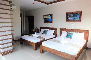 picture 1 of 413 Suites Superior Room