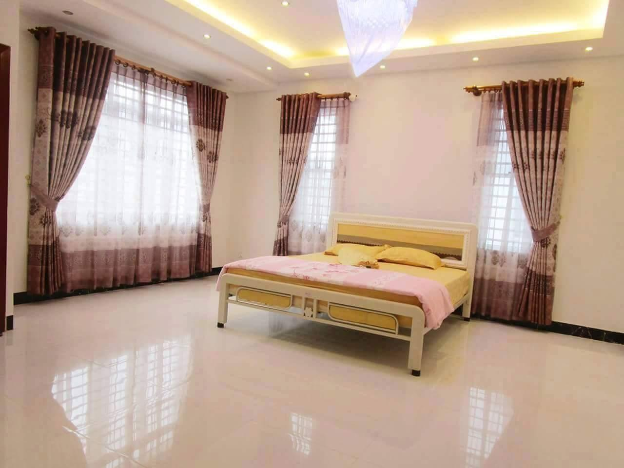 Azura Holiday House