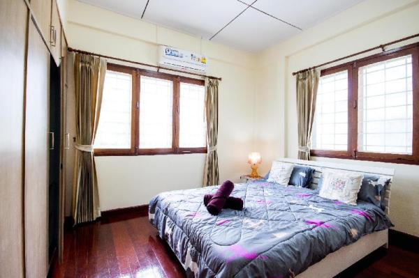 Quiet and Cozy Home Central to Everything  Chiang Mai