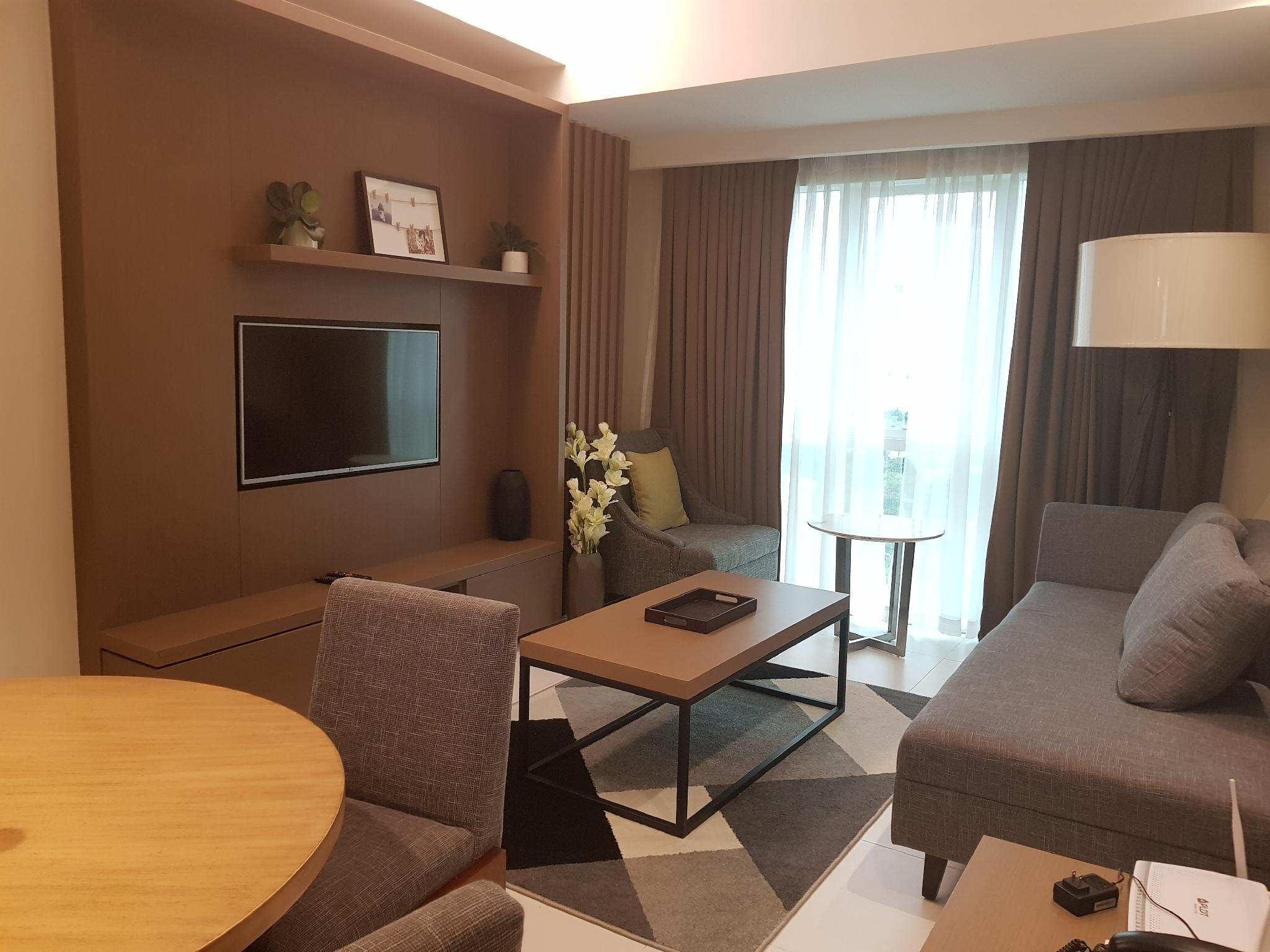C2   Spacious And Clean 2 Bedroom Near Ayala Mall