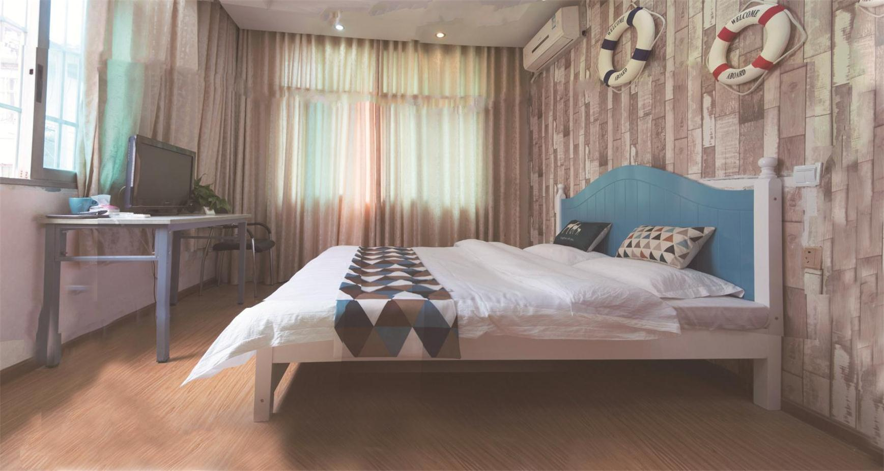 Theme double room(24 hours free shuttle Airport) Reviews