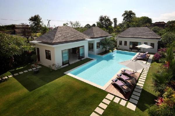 3 Bdr White Castle Villa Near Echo Beach Canggu Bali Indonesia Booking And Map