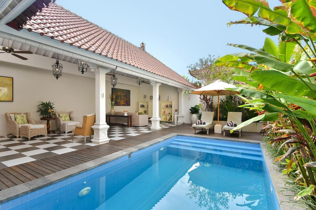 2 BDR Villa Private Pool At Cose Double Six Beach