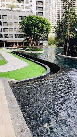 BITEC BTS LARGE SWIMMING POOL COZY CHEAP CLEAN BTS Bangkok