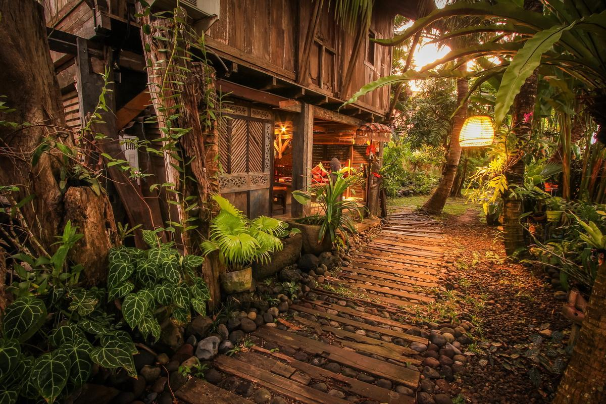 Beautiful Wooden Tropical Rumah Nyaman Villa