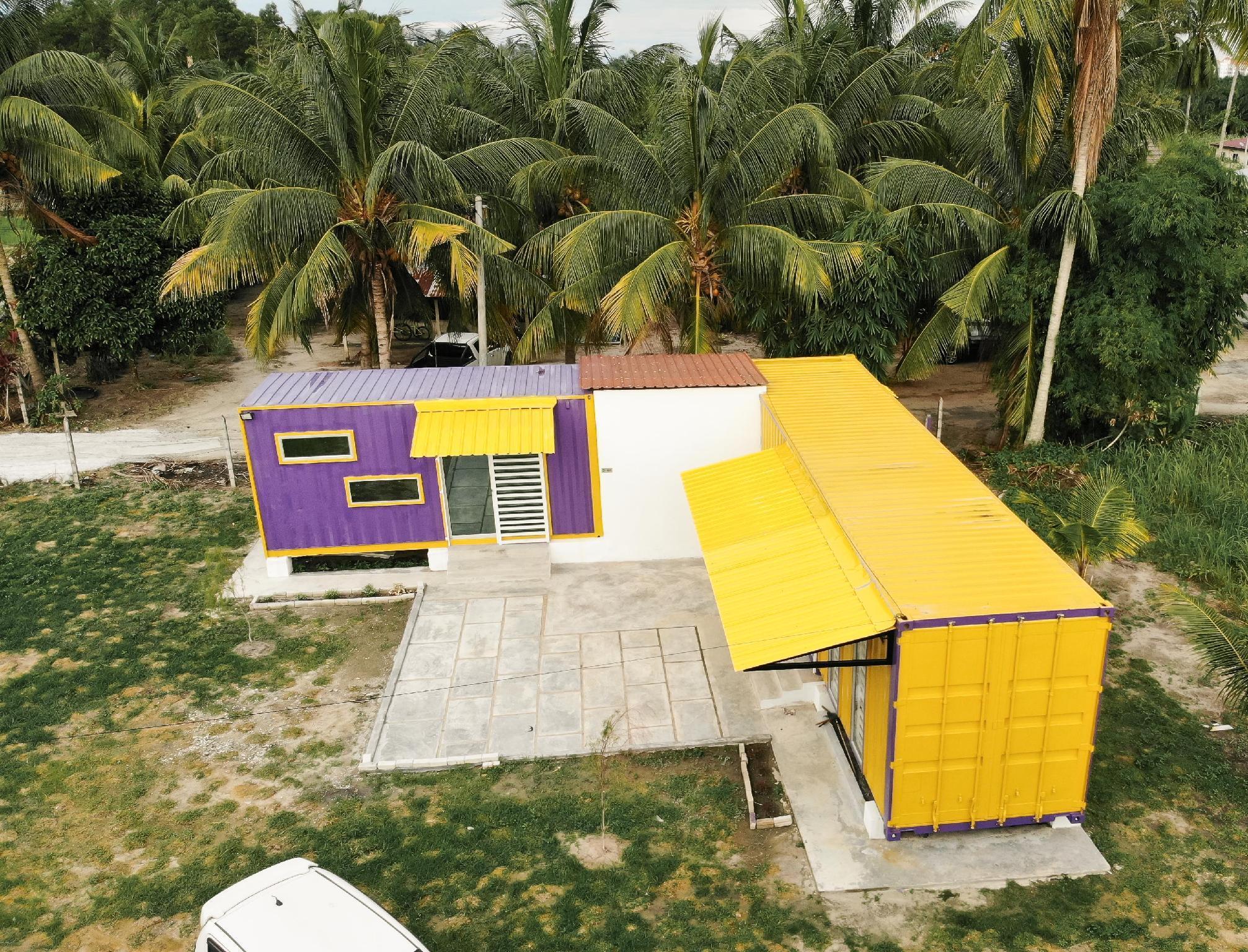 Lumut Cube Kontenastay -2 Cabin @ Lumut FREE WIFI