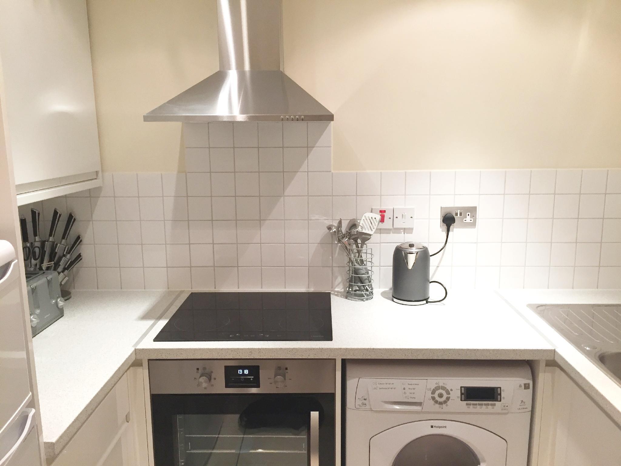 Price 1 Bed Apartment FARRINGDON -SK