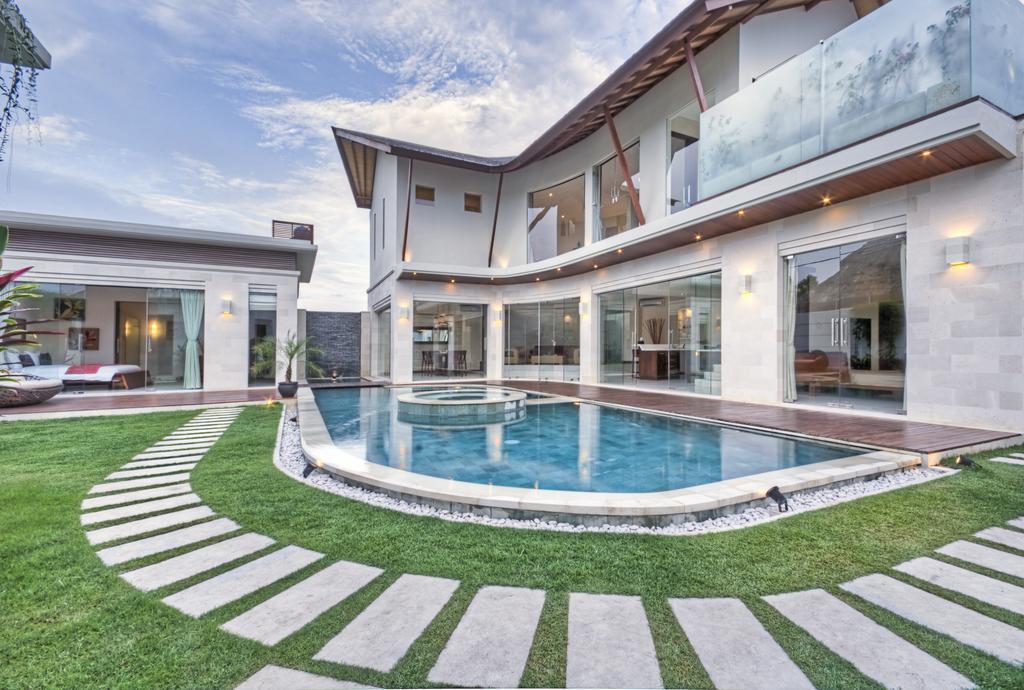 3BDR Stunning Villas Close Seminyak Square