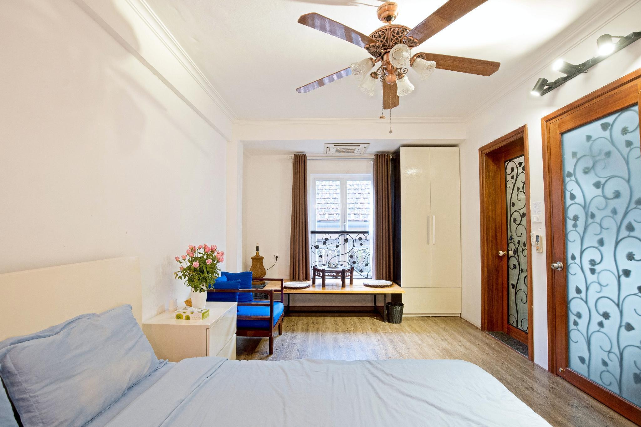 CENTER Of HANOI   LUMINOUS Private Master Bedroom