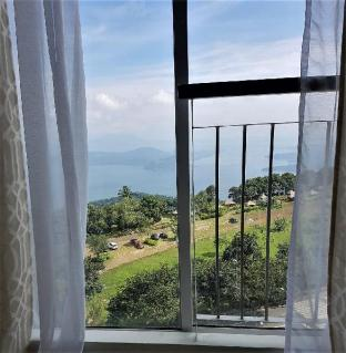 Фото отеля Taal Lake View Condo