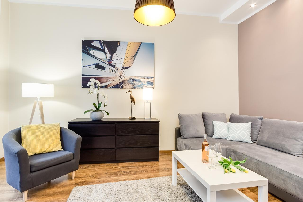 7M Old Town Apartment