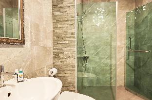 Oceans Reach | Luxury 40 BR Pool Resort by Beach