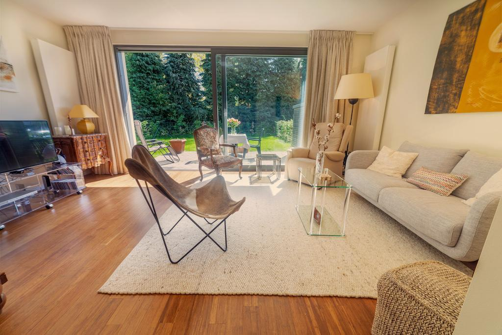 Waterloo Luxury House Residence With Swimming Pool