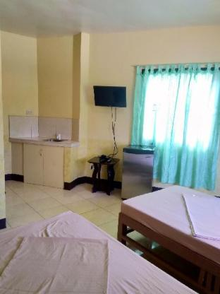 picture 1 of Mikaela's Place Room 1