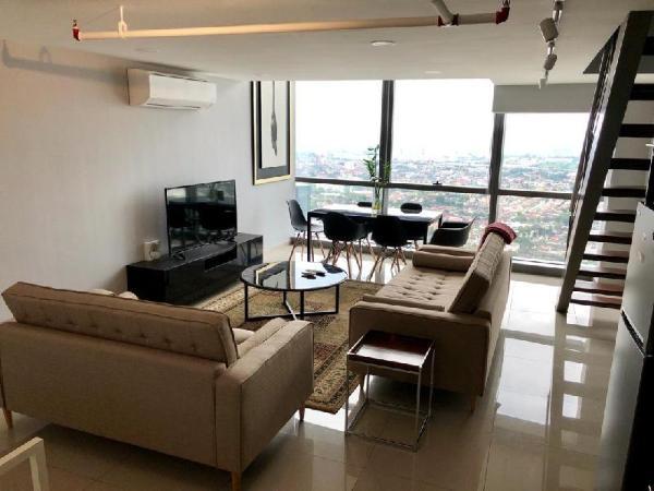 New duplex apartment near LRT at pinnacle PJ Kuala Lumpur