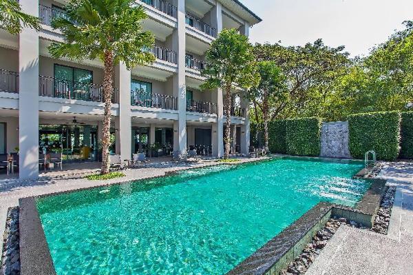 Palm Springs Resort 12BR with Pool 1km to Beach Pattaya