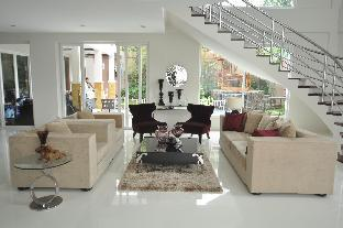 picture 5 of Luxurious Home Suite near BGC