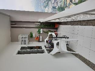 picture 3 of Cozy 2BR - FREE Parking, WIFI, Netflix & Balcony