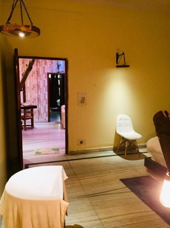 Rooming House -WOODEN New Delhi and NCR
