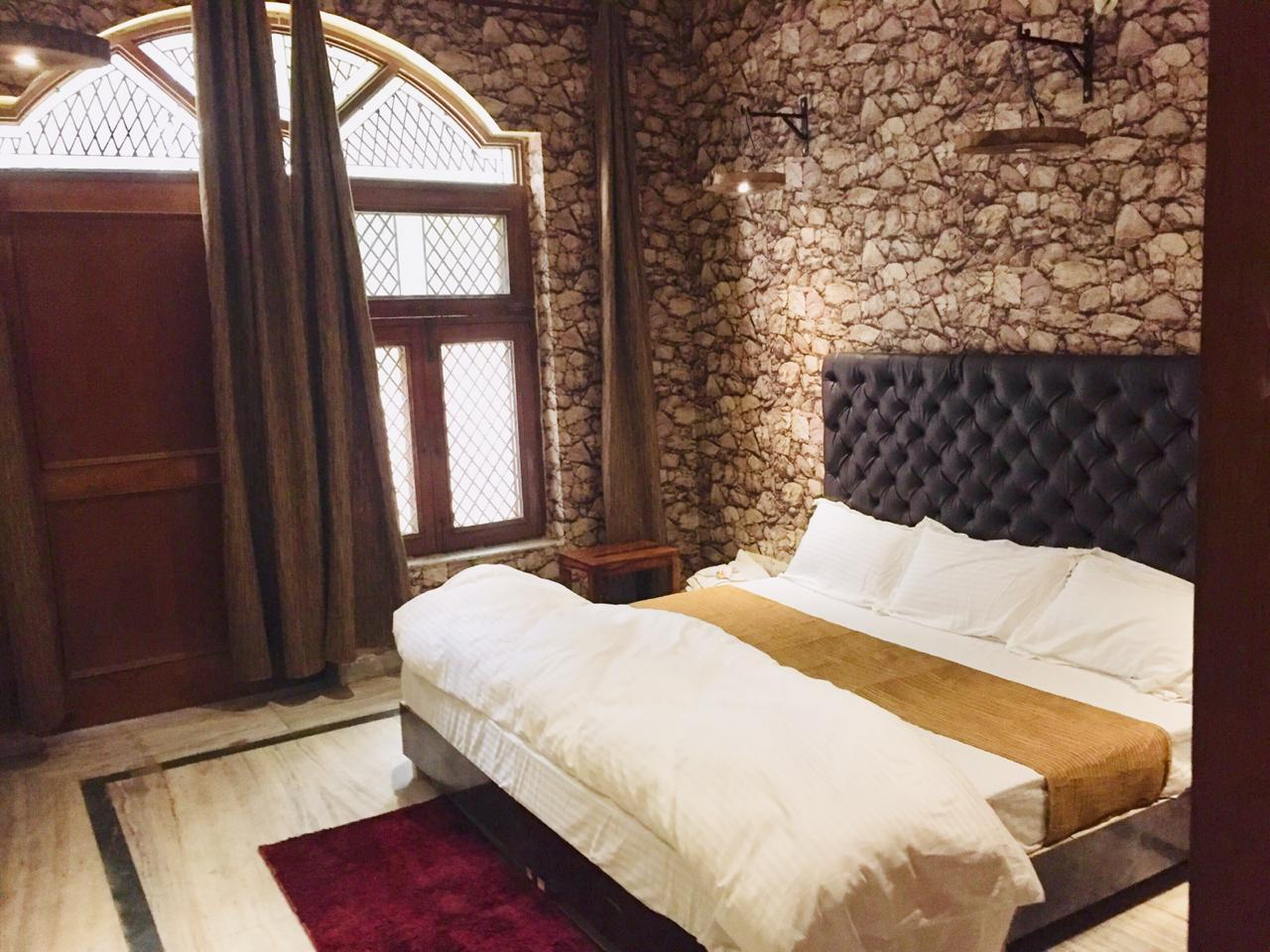 Rooming House  WOODEN