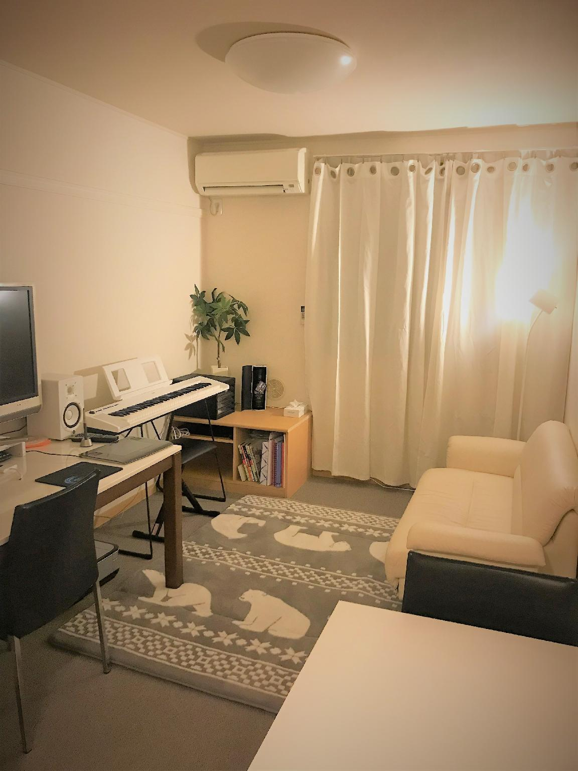 Japanese Cozy 2 Floors' Home In Tokyo with Piano
