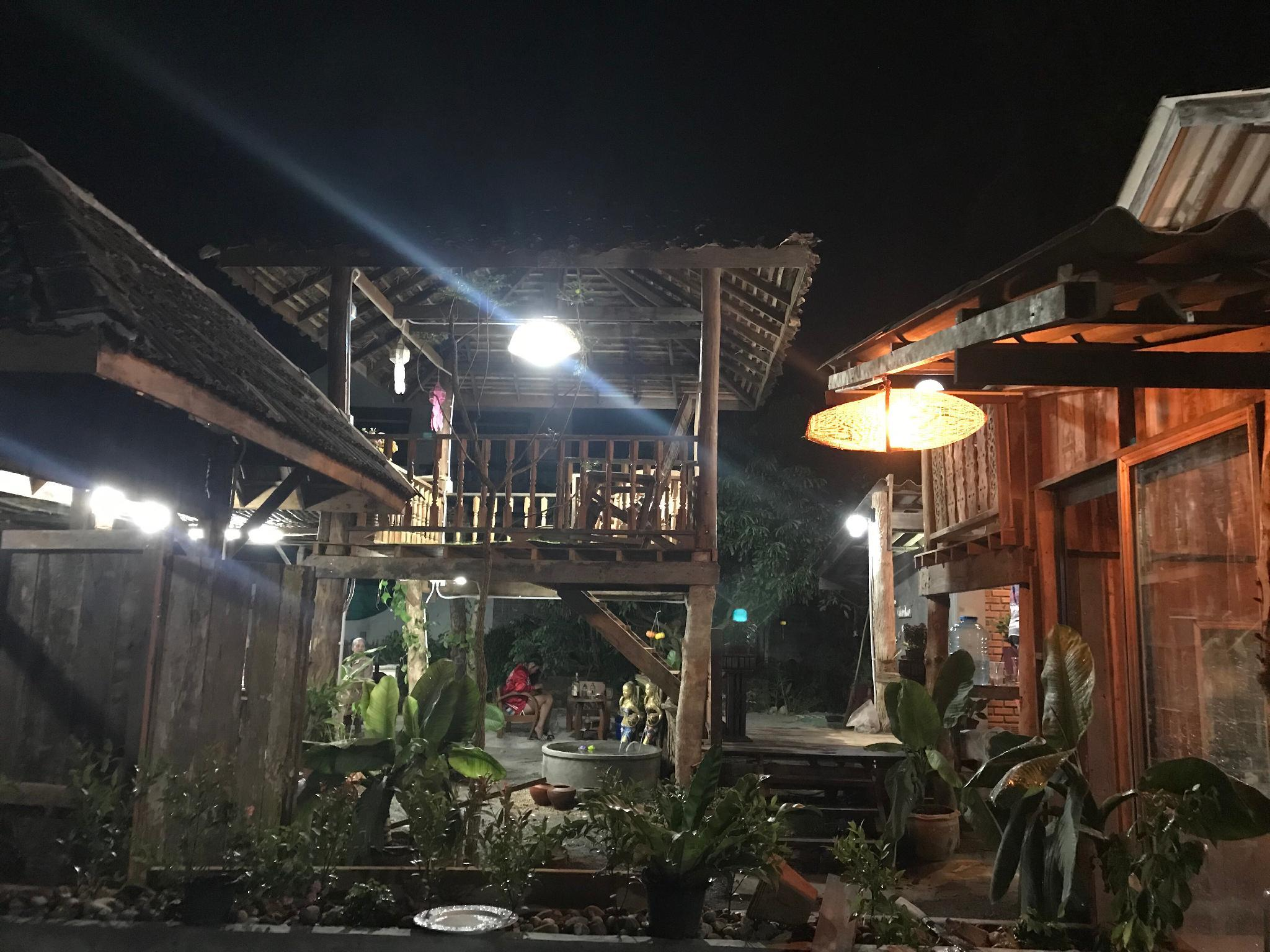 Kids Zoo Chomthon9 Cafe And Home Stay