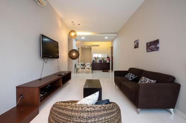 Spacious suite wt free WIFI 3minutes walk to KLCC Kuala Lumpur