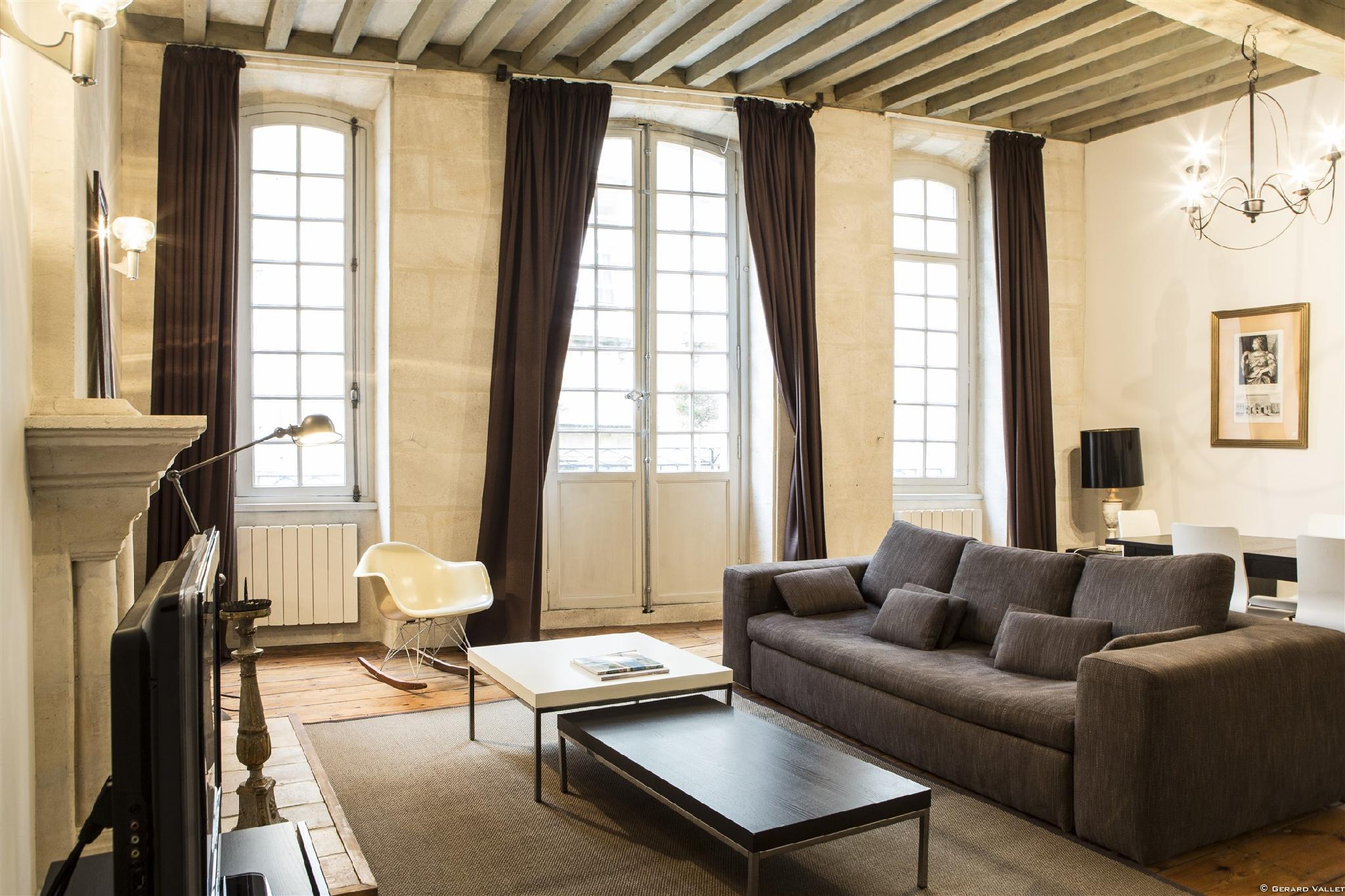 Descazeaux  -  Appartment Luxuriously decorated
