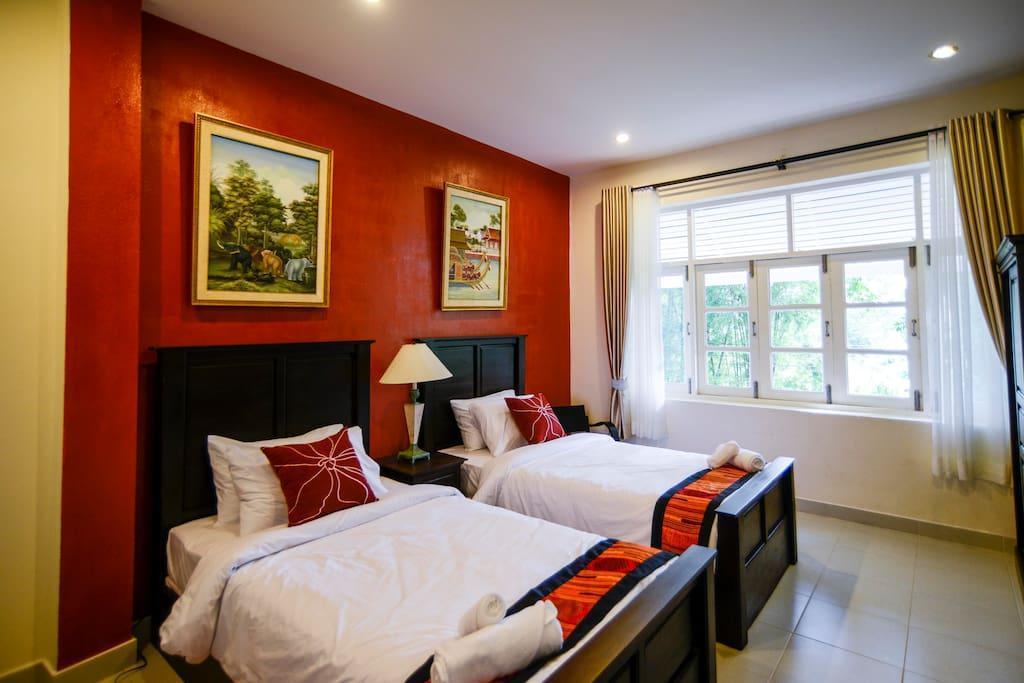 The Journey House Luxury Escape วิลลา 8 ห้องนอน 8 ห้องน้ำส่วนตัว ขนาด 221 ตร.ม. – แม่น้ำแคว