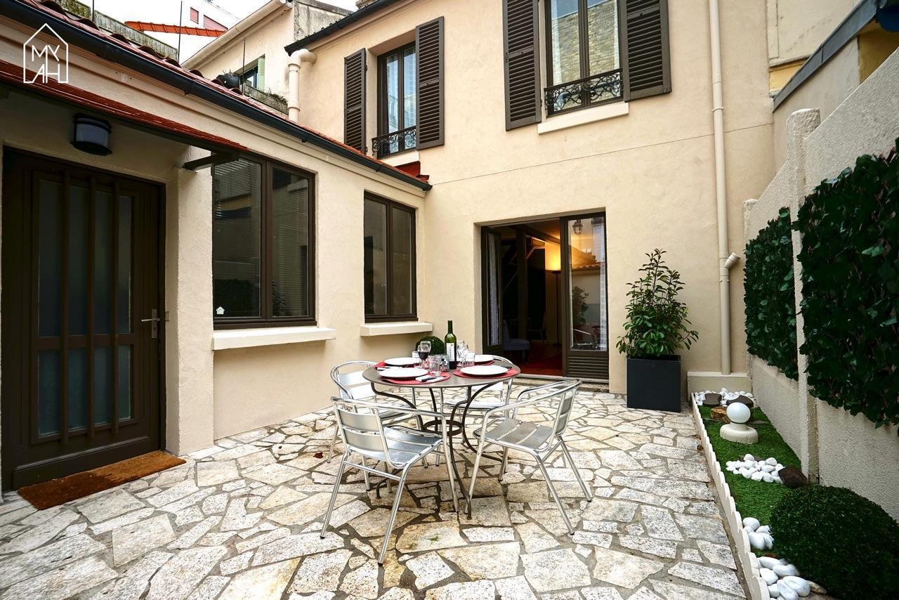 Private House In Paris