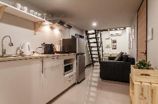 S1 Large Duplex Silom 3 Beds, Full Kitchen WIFI อพาร์ตเมนต์ 1 ห้องนอน 1 ห้องน้ำส่วนตัว ขนาด 55 ตร.ม. – สีลม