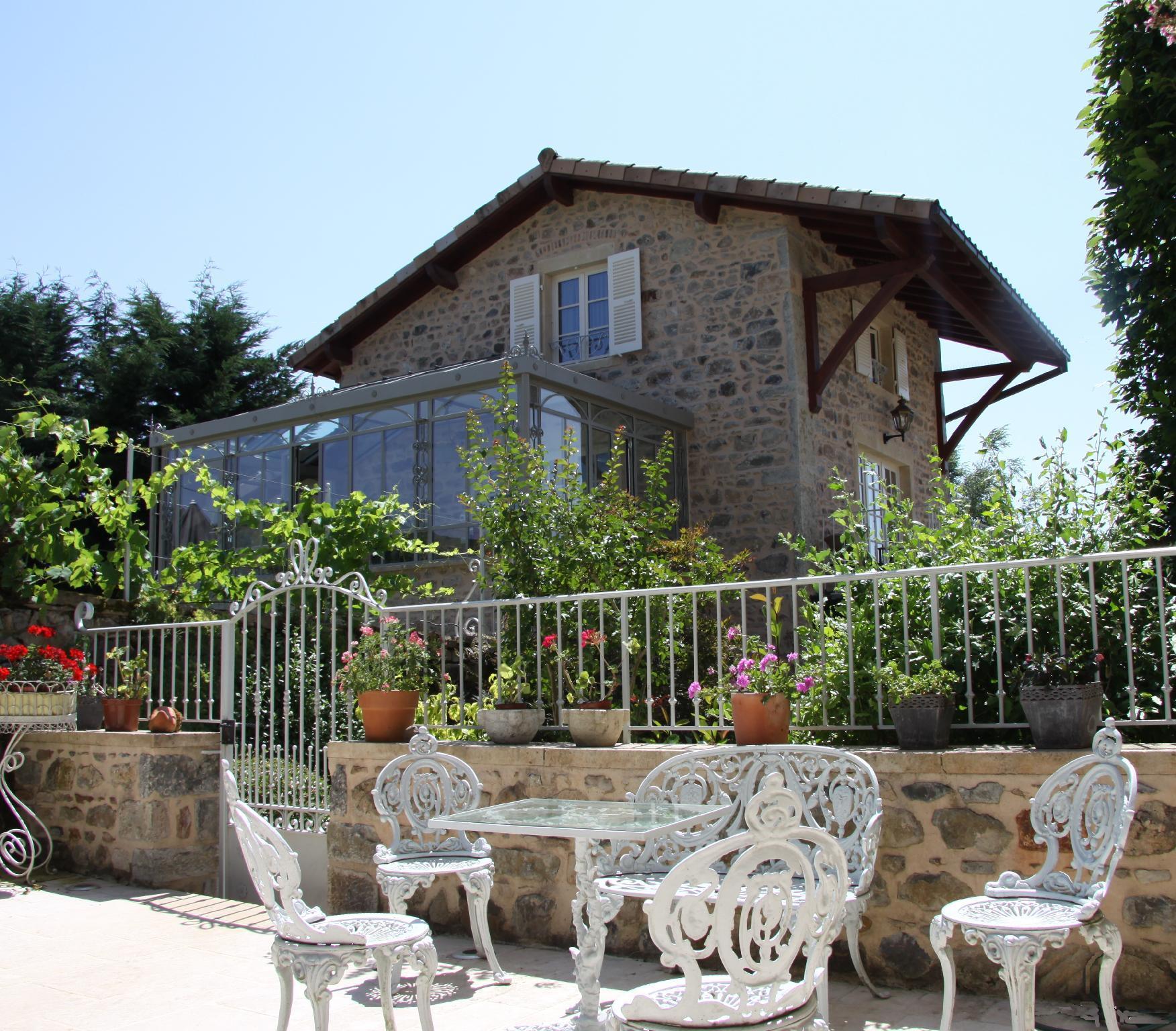 Romantic 18th Century Stone Cottage In Burgundy