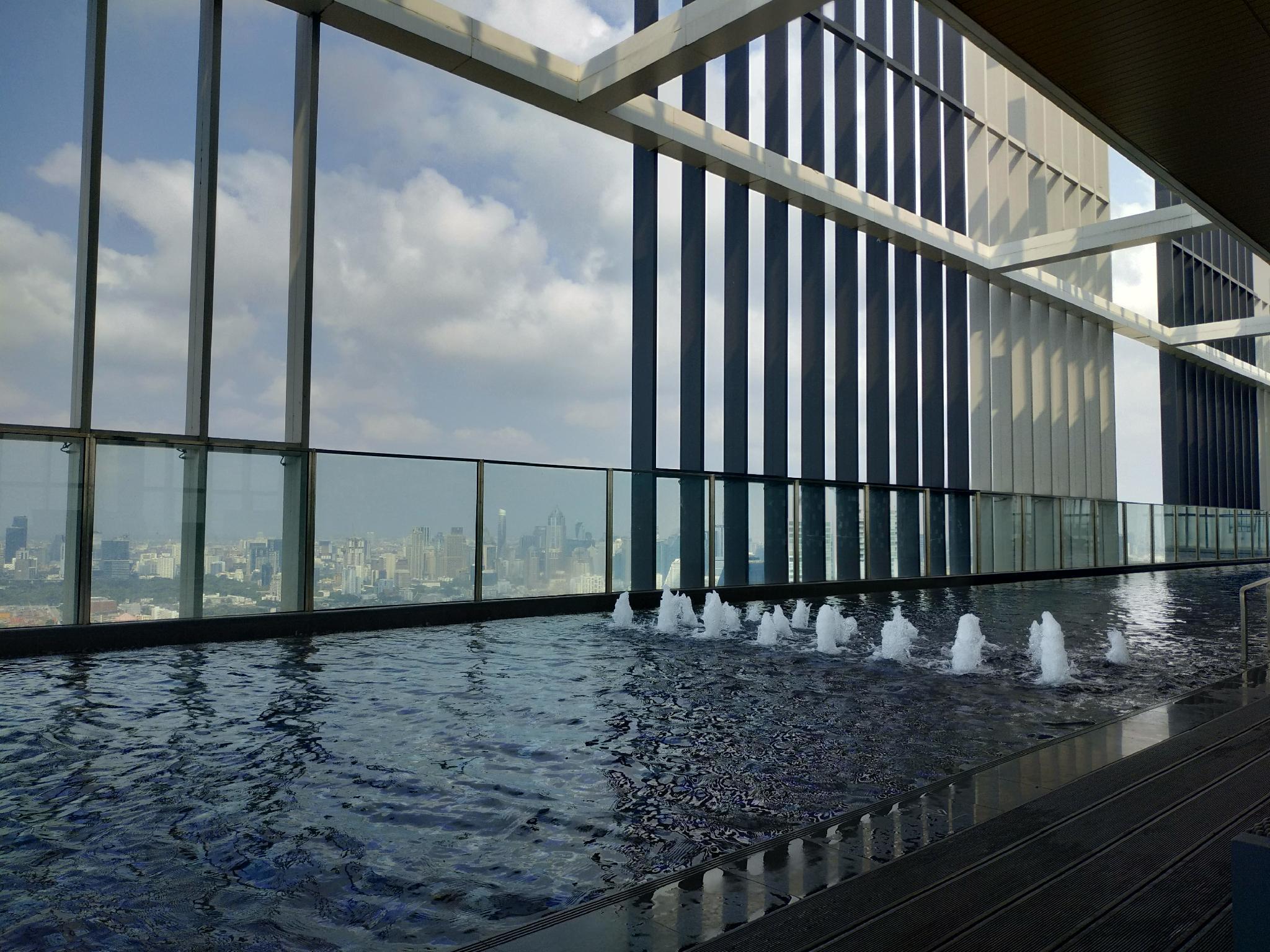 Rooftop pool gym luxury cozy condo free wifi  44 อพาร์ตเมนต์ 1 ห้องนอน 1 ห้องน้ำส่วนตัว ขนาด 30 ตร.ม. – สุขุมวิท