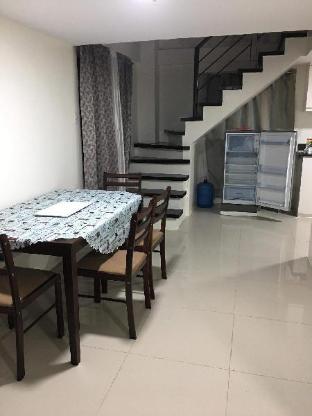 picture 3 of The Courtyards Condominium