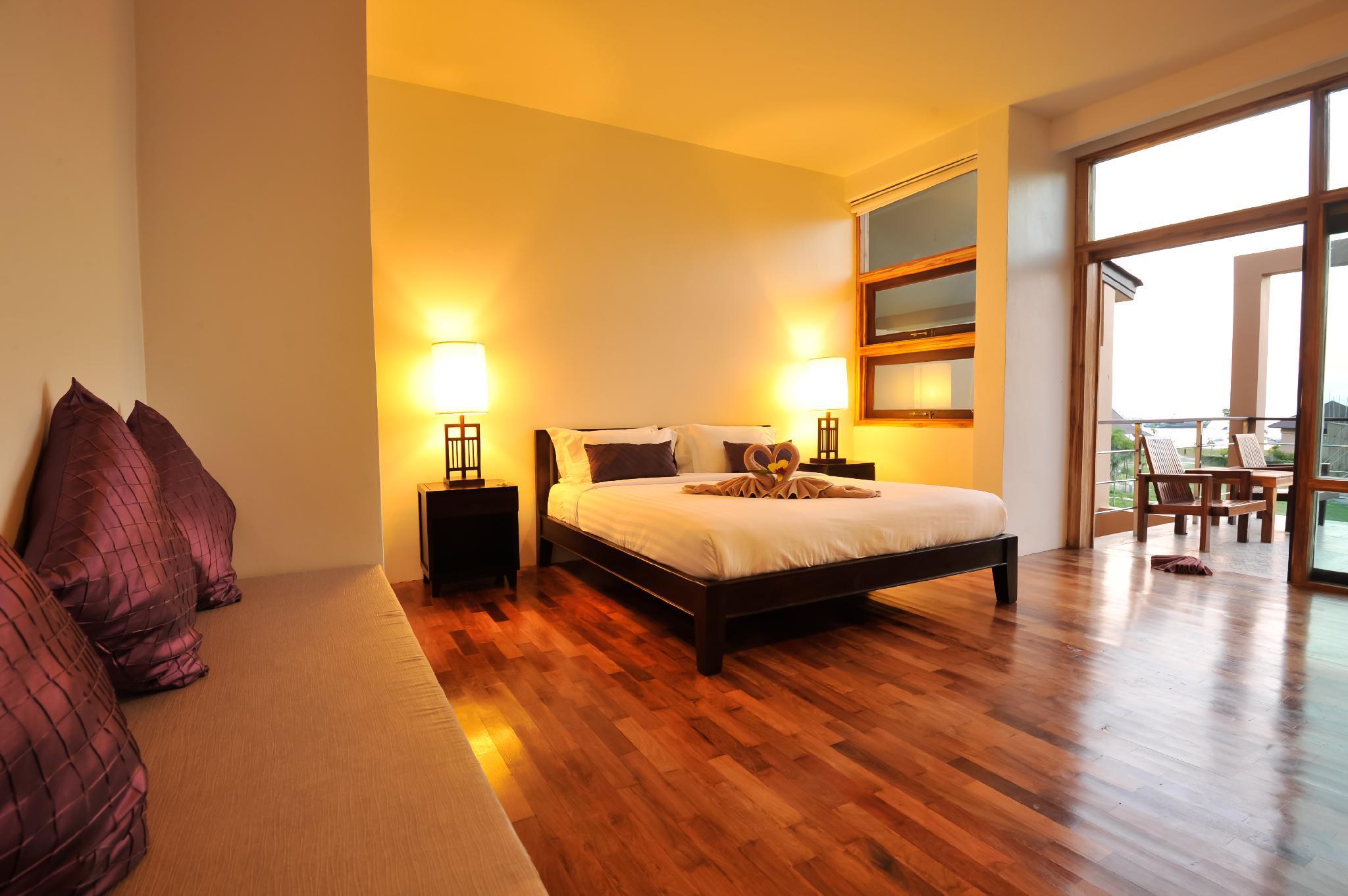 Deluxe Balcony Room Bundhaya Villas Koh Lipe Satun