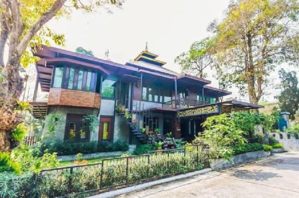 Tradition Lanna House [4BR] Free Pickup Airport Chiang Mai